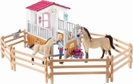 Schleich Horse Club - 42369 Pferdebox mit Arabern und Pferdepflegerin, ab 3 Jahre